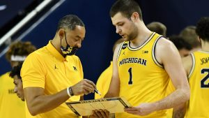 Hunter Dickinson Is The Reason Why, He Is The Best Freshman In The B1G Conference.