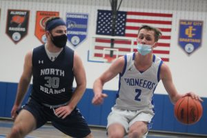 Hunter Soper Is The Best Basketball Player In The Whole Thumb Area.