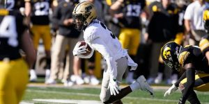 David Bell Fantastic Performance On The Road Against The Iowa Hawkeyes.