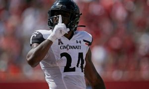 Jerome Ford Is A Good RB For The Cincinnati Bearcats Football Team……..